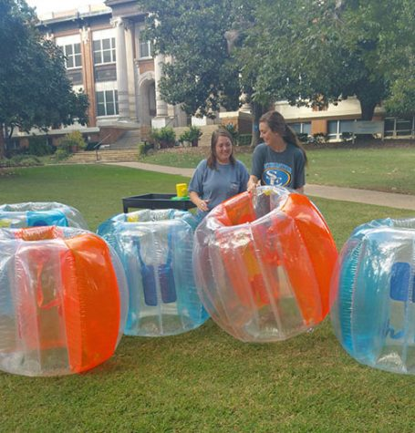 Alex Ray and Taylor Williams make sure the bubbles are ready.