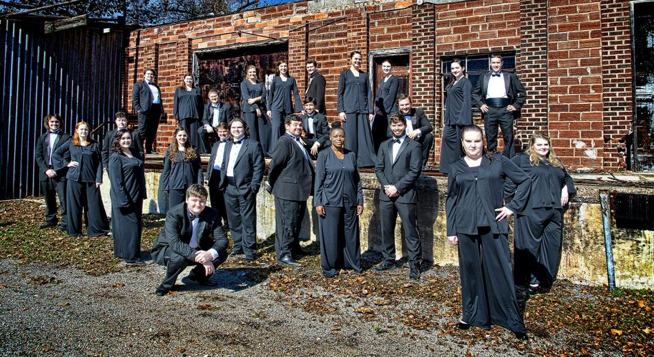 SE Chorale group photo.