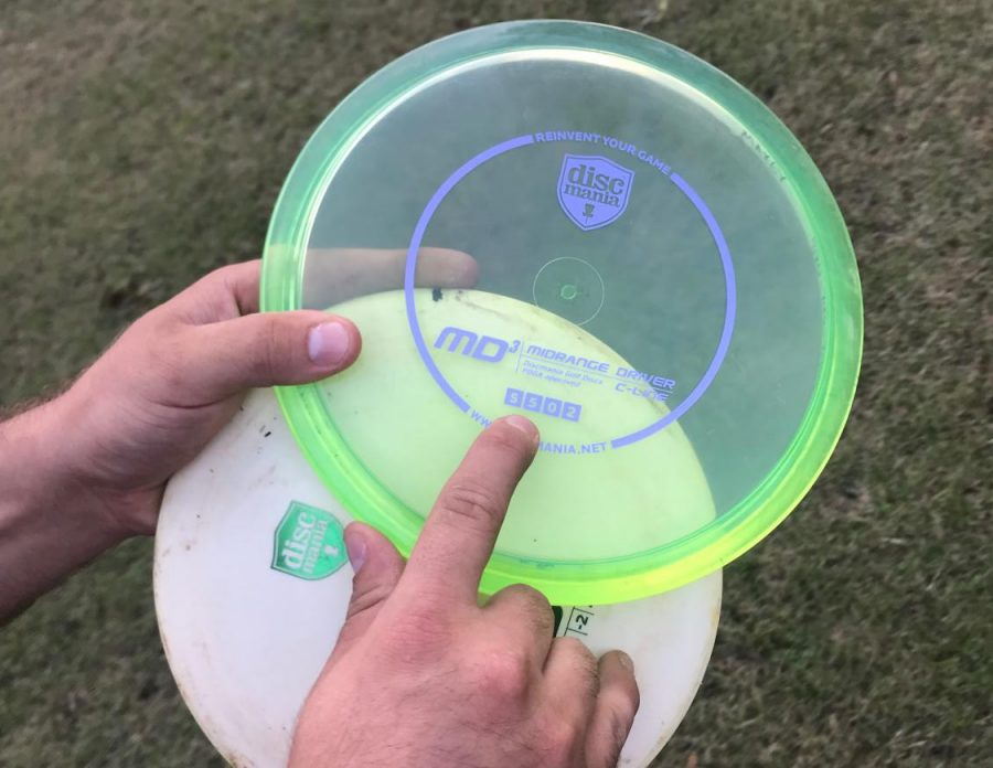 Jordan Maxie explains what the corresponding numbers, on the discs represent: 1. Speed 2. Glide 3. Fade 4. Turn