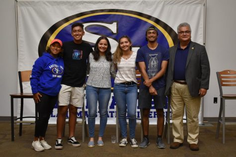 Several students from Southeastern, including sophomore Elysa Hernandez (pictured third from the left) and freshman Ricardo Rojas Jr. (pictured second from the right), attended the Celebrando Cultura Hispana in honor of Hispanic Heritage Month.